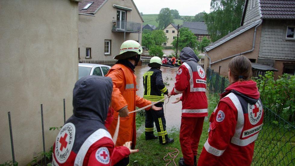 In Werdau kämpfte die Feuerwehr gegen die Wassermassen.