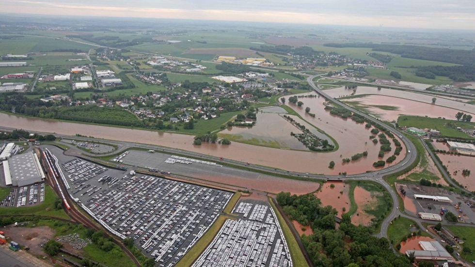 Das Luftbild von Glauchau zeigt das ganze Ausmaß der Überschwemmungen. (c) Ralph Köhler, propicture