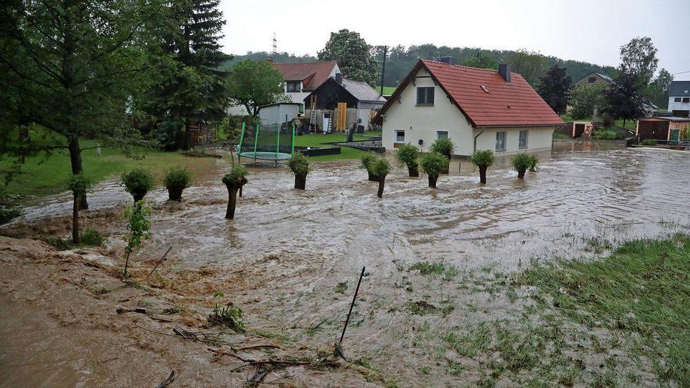 Der Kleine Dittrichbach trat über die Ufer.