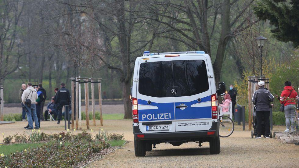 Polizeiwagen am Schwanenteich