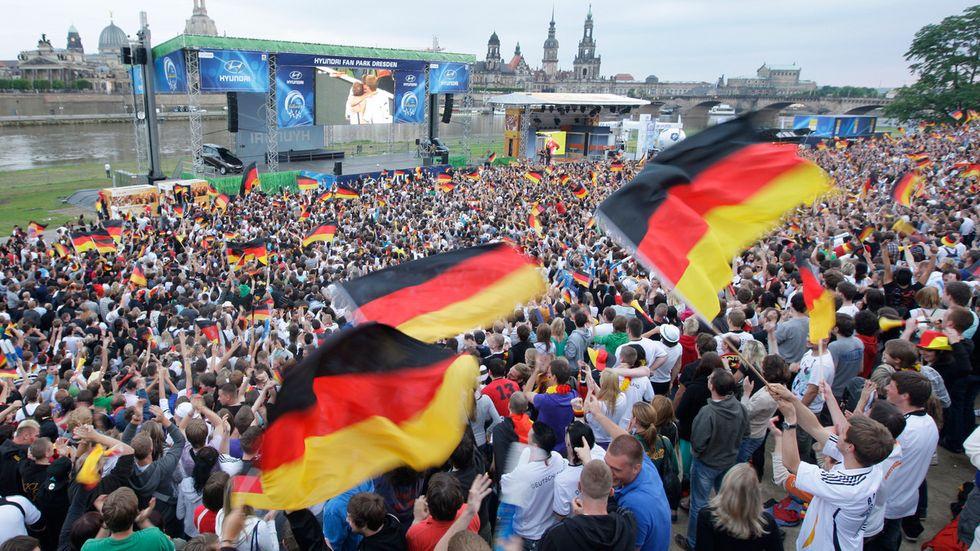 So wie hier am Dresdner Terrassenufer vor einigen Jahren kann momentan nicht gefeiert werden (Archivfoto).