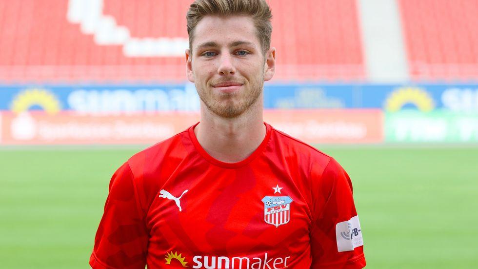 Mittelfeldspieler Leon Jensen