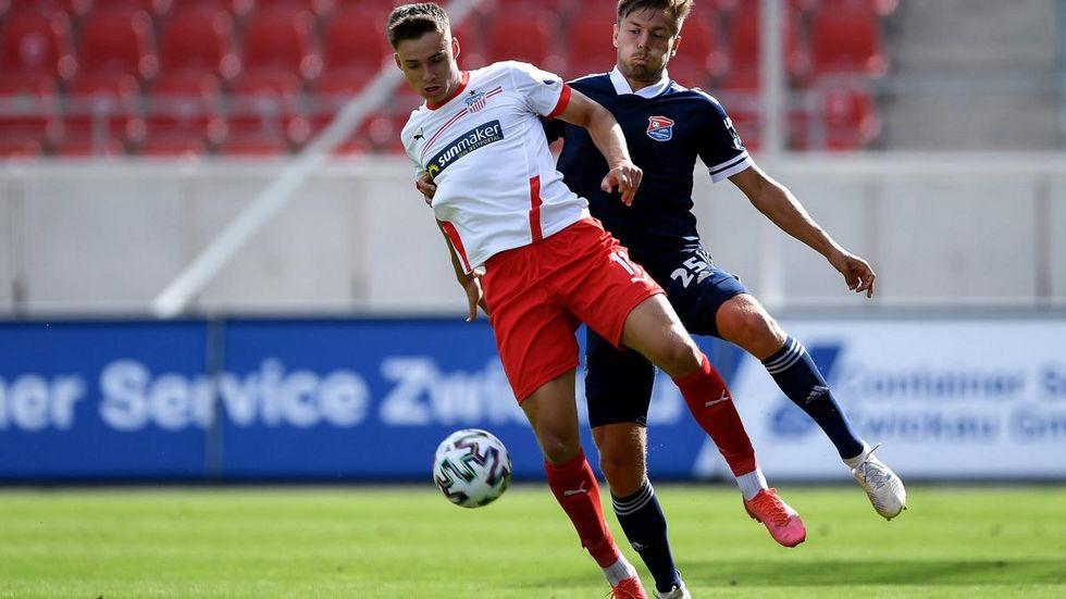 Dustin Willms geht auch kommende Saison für Zwickau auf Torejagd.