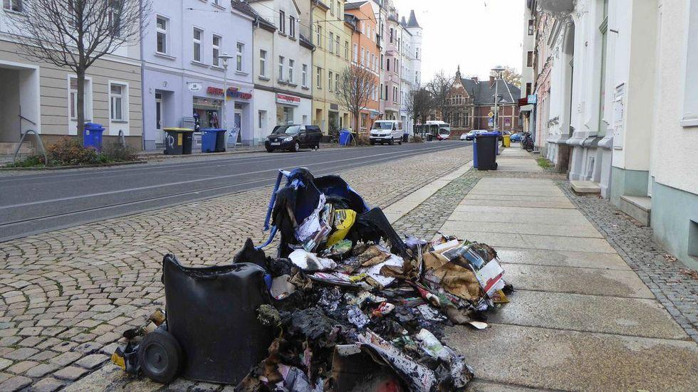Von dieser Mülltonne auf der Bosestraße ist nicht mehr viel übrig geblieben. © Mike Müller