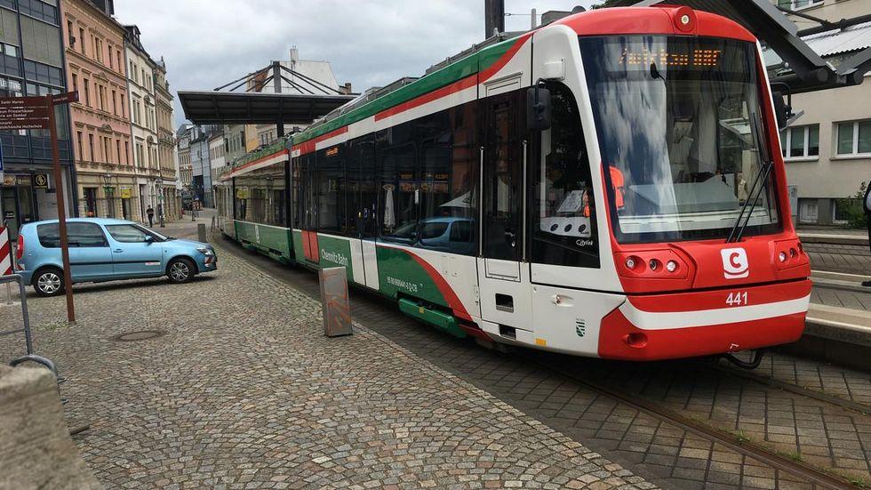 Auch ein Gast der City-Bahn Chemnitz war auf dem Dreischienengleis unterwegs.