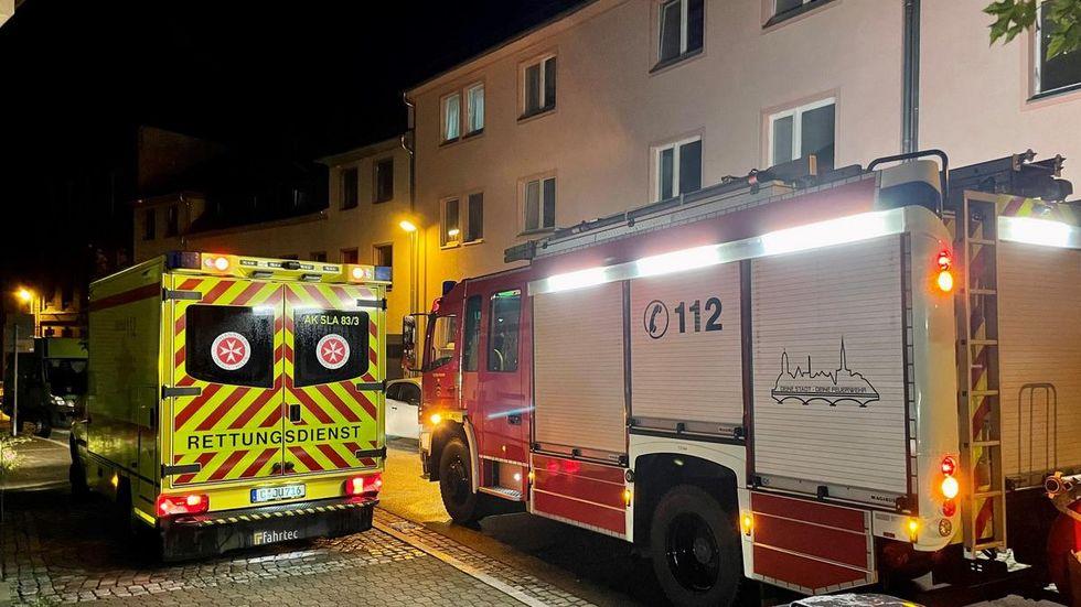 Die Feuerwehr lüftete die Wohnung, nach 30 Minuten war der Einsatz beendet.