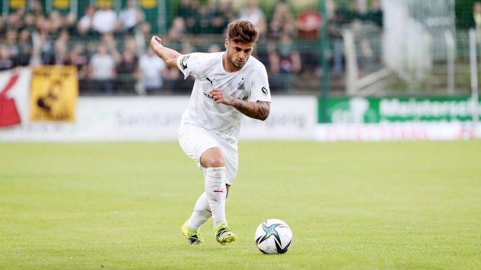 Dominic Baumann am Ball...