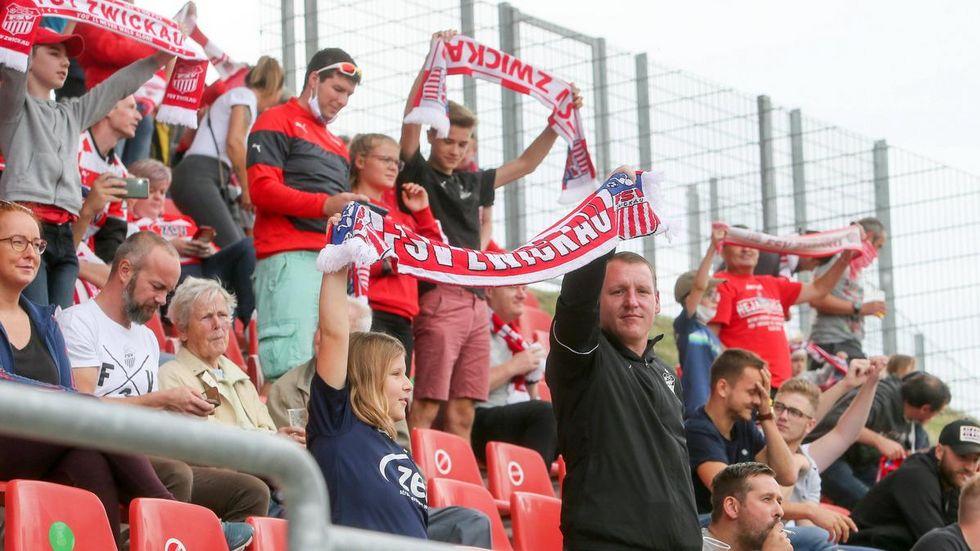 Bis zu 10.000 Zuschauer könnten nach aktuellem Stand am Samstag ins Stadion.